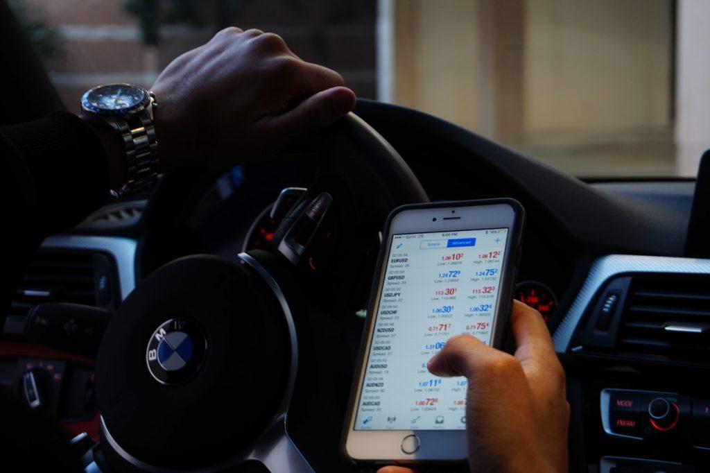 accessoire smartphone : support voiture